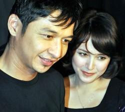 Pasangan Selebritis, Pasha 'Ungu' dan Adelia